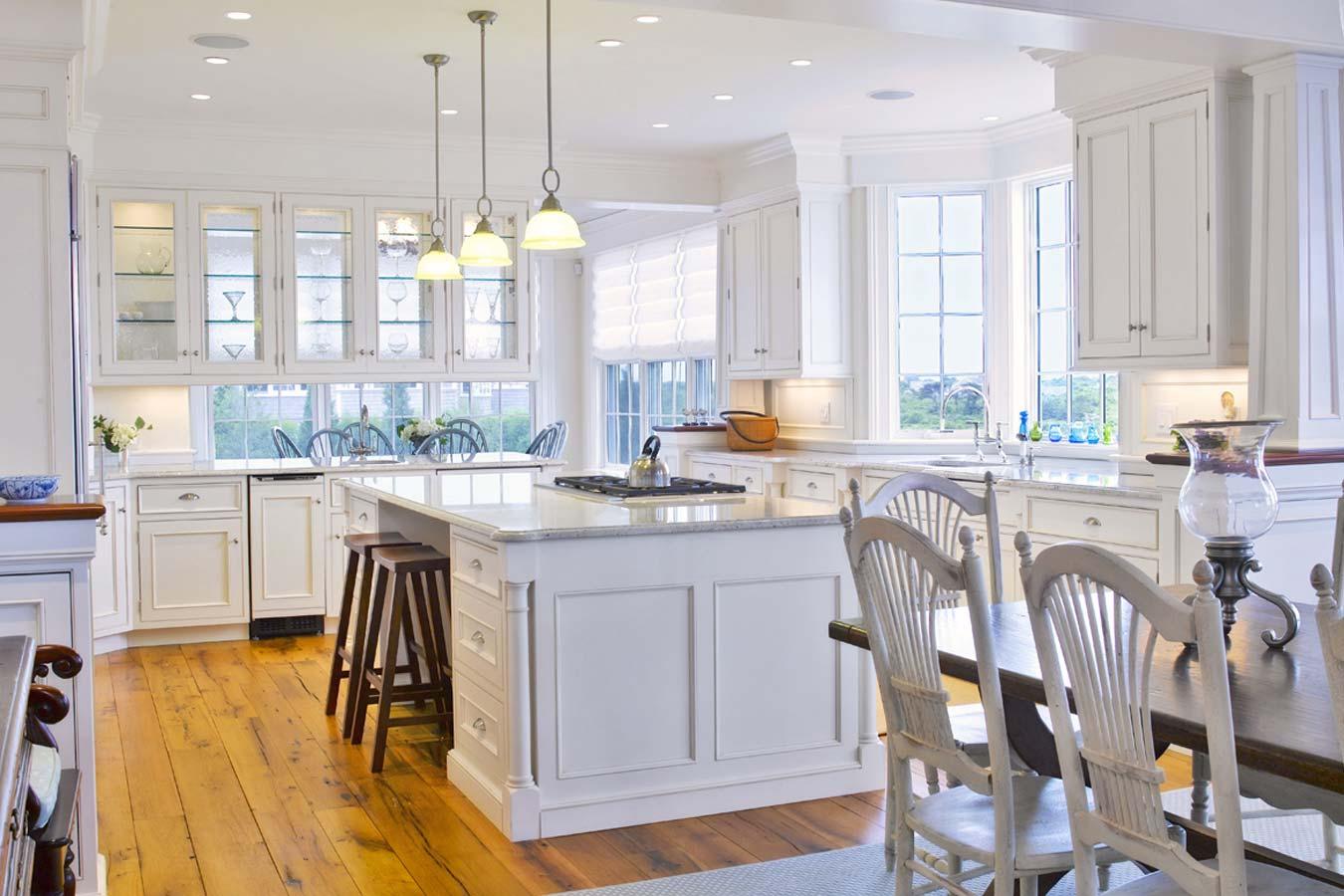 colore-bianco-cucina-parquet