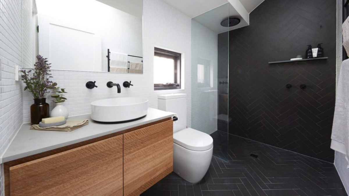 Soluzioni Salvaspazio Bagno : Come arredare un bagno piccolo quadrato