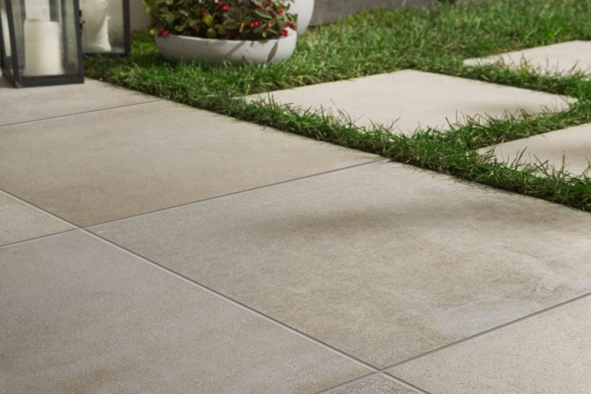 pavimento-moderno-esterno-erba