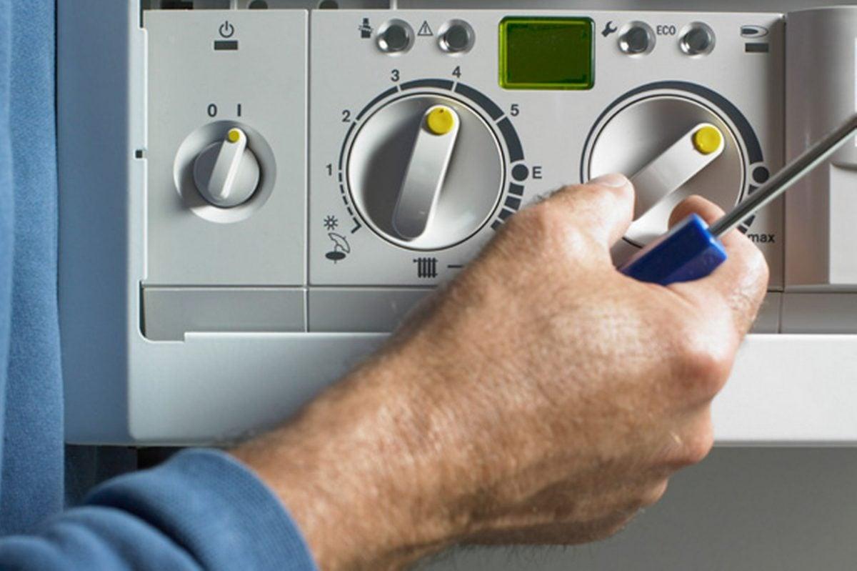 caldaia-manutenzione-tecnico-addetto