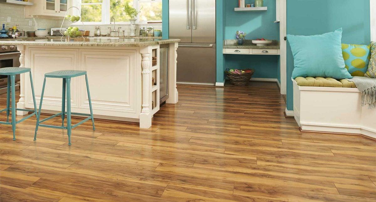 pavimento-in-laminato-cucina-open-space