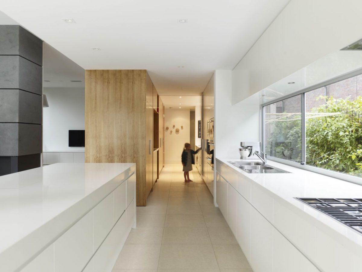 Cucina stretta e lunga: idee e soluzioni per arredarla