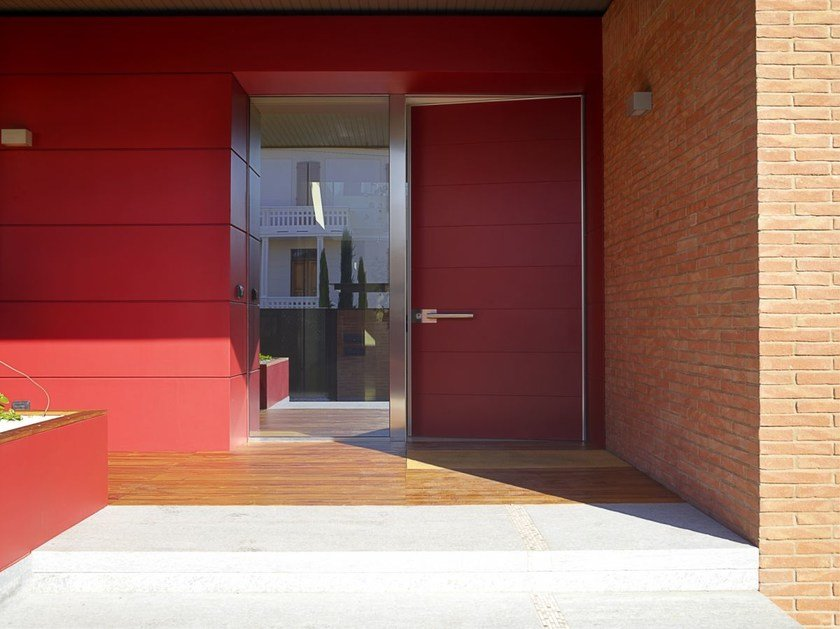 porta-ingresso-rossa