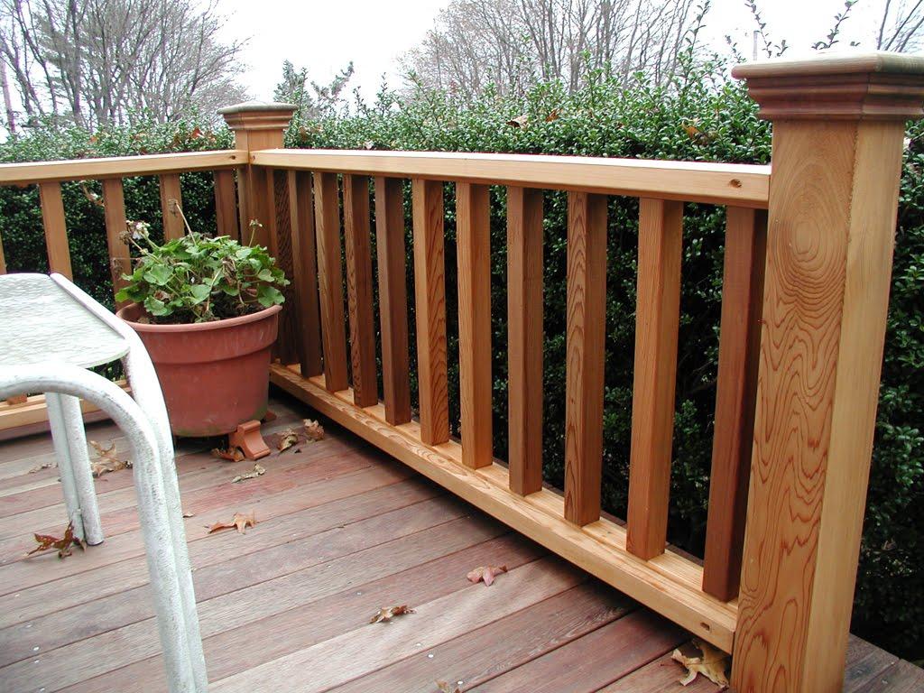 ringhiera-balcone-legno-verticale