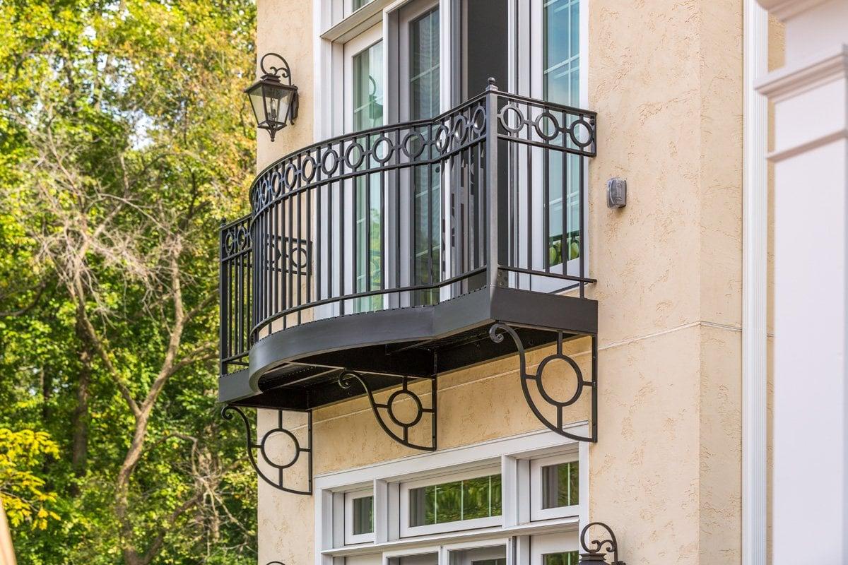 ringhiera-balcone-nero