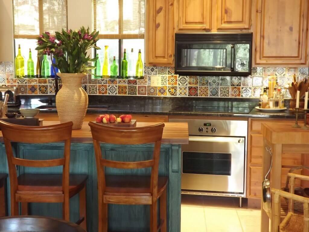 casa-stile-spagnolo-cucina-piastrelle