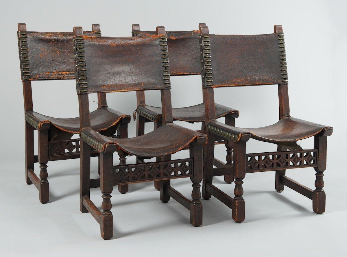 casa-stile-spagnolo-sedie