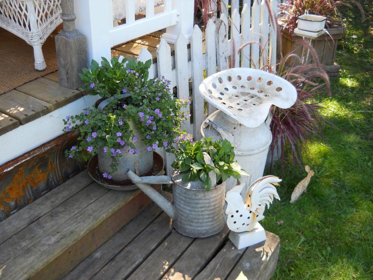 arredamento-esterno-shabby-chic-vasi-piante