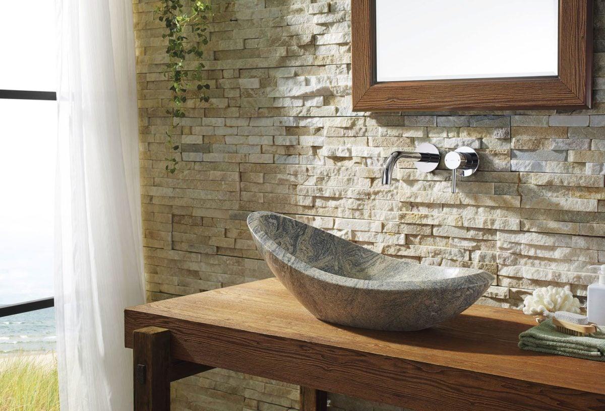Bagni Rustici In Muratura Immagini : Bagno in pietra e muratura