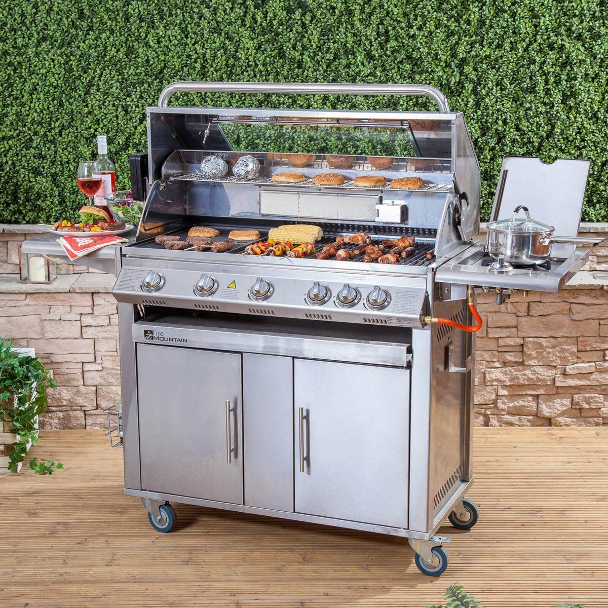 barbecue-giardino-gas-acciaio