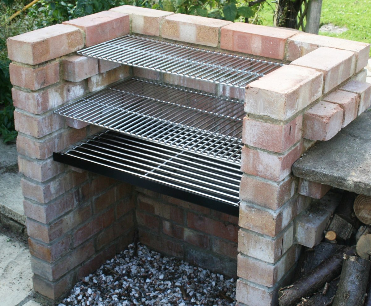 barbecue-giardino-muratura-fai-da-te