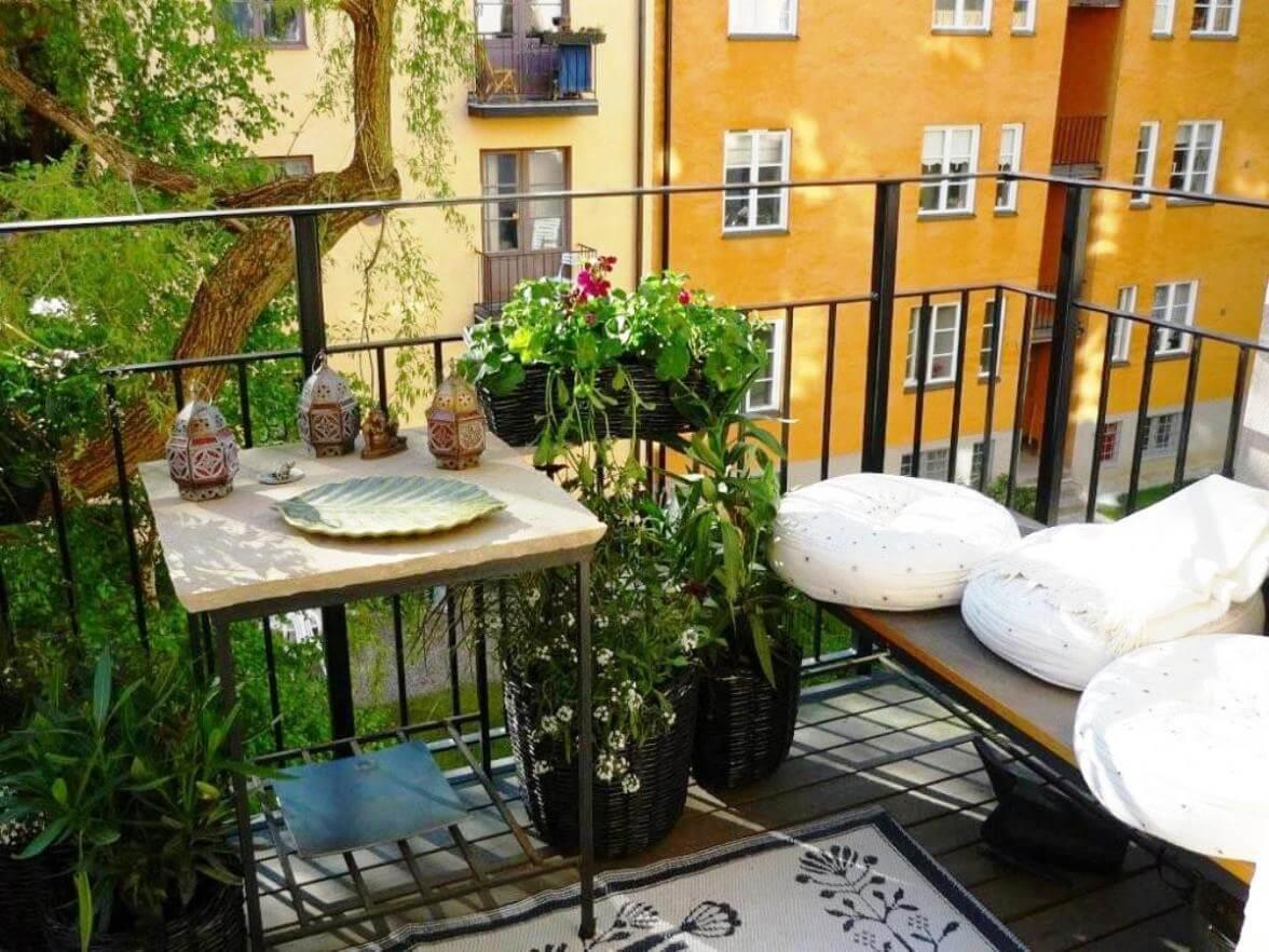 divano-balcone-quadrato