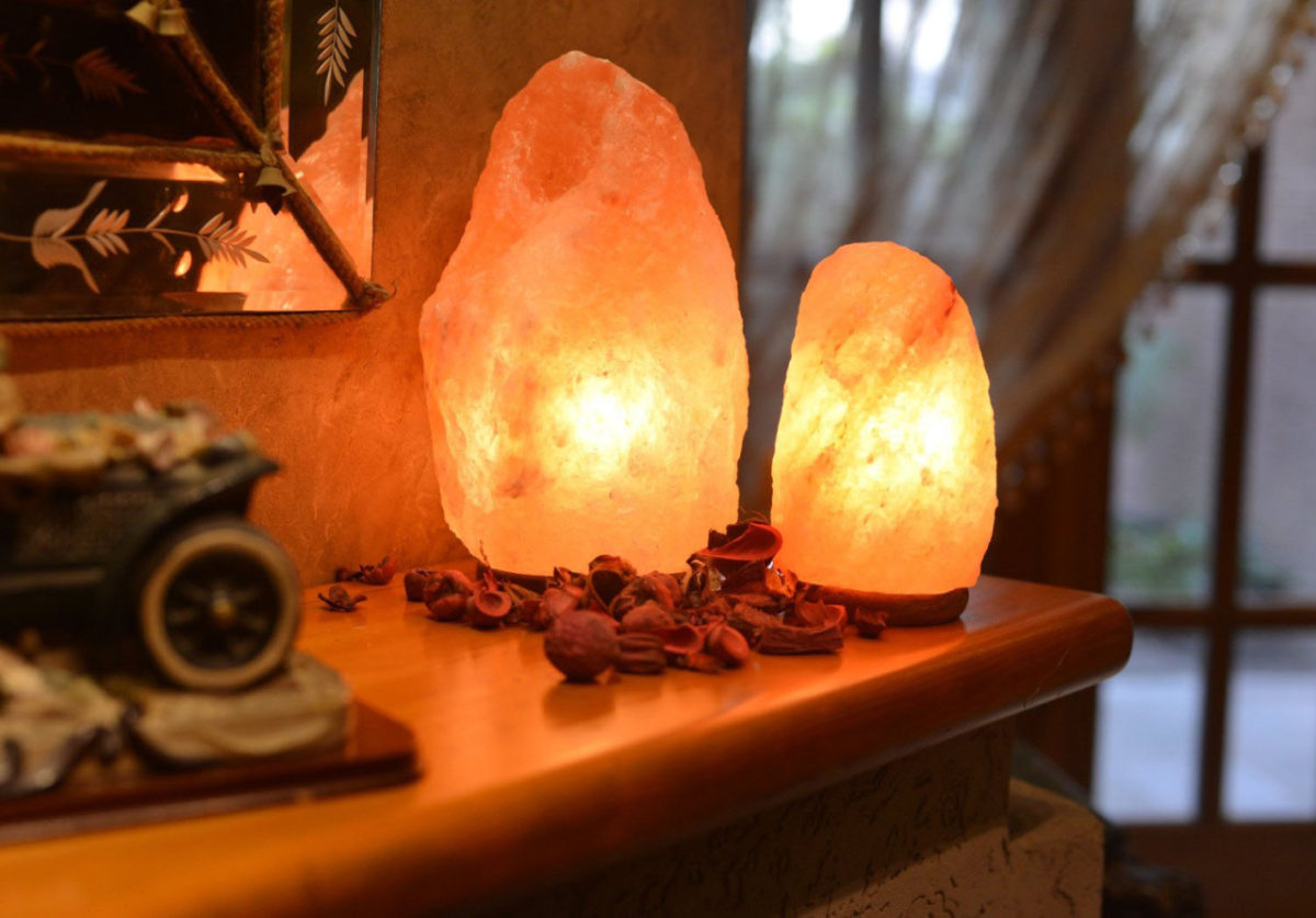 lampada-al-sale-mensola