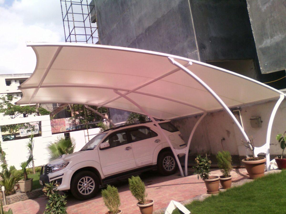 posto-auto-in-giardino-tettoia