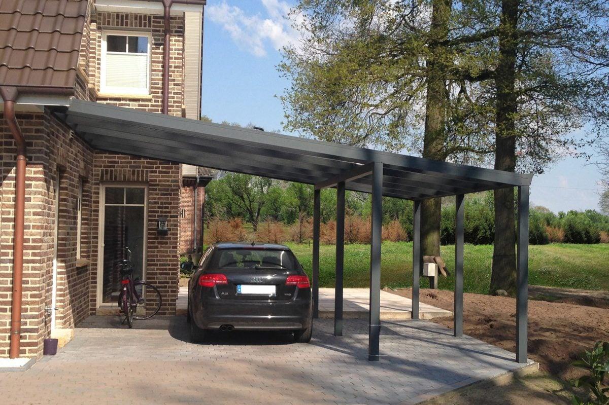 Posto auto in giardino for Aggiungendo spazio sopra il costo del garage