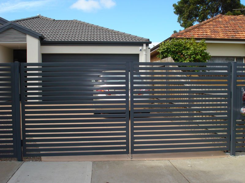 ringhiera-giardino-acciaio-cancello