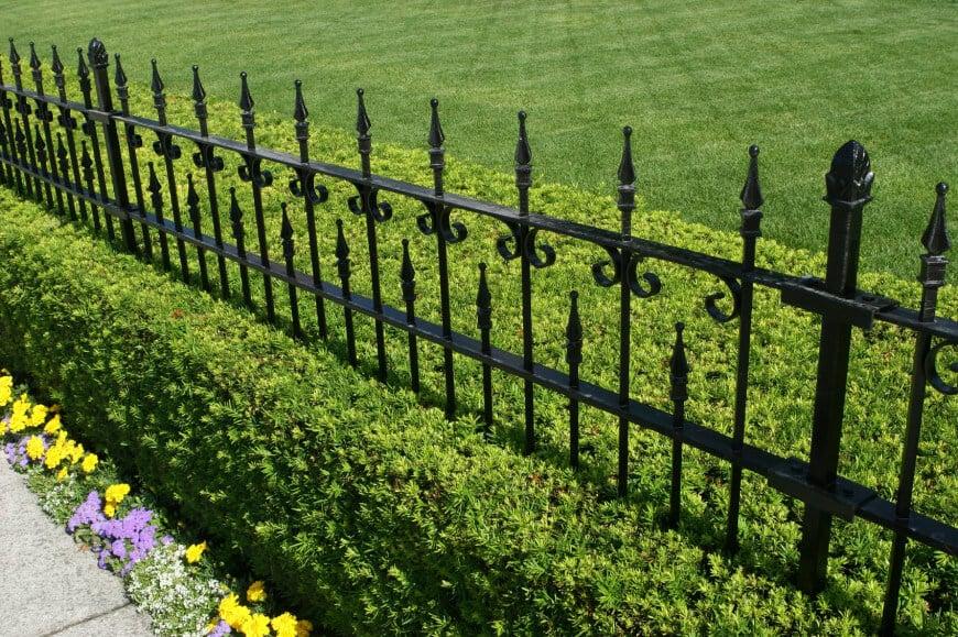 ringhiera-giardino-ferro-battuto-design