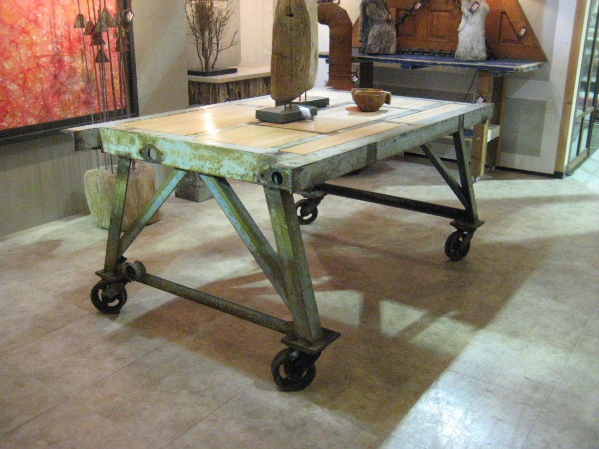 tavolo-da-lavoro-ruote