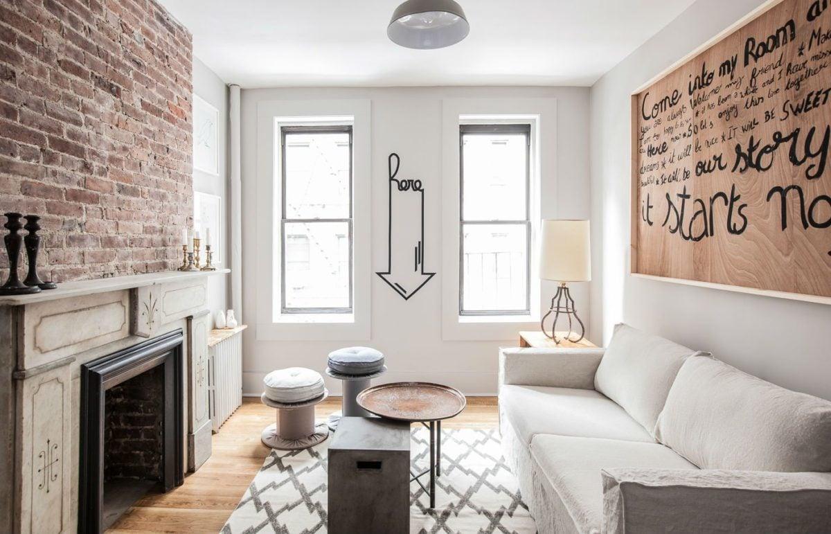 stile-newyorkese-mattoni-salotto