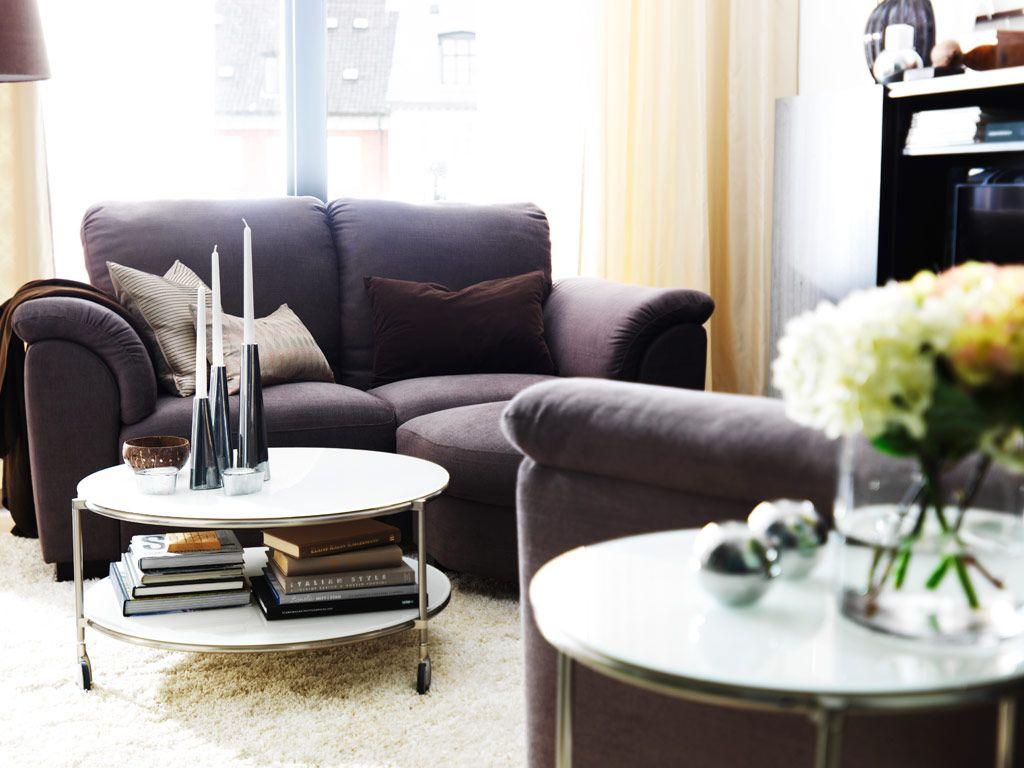 soggiorno-piccolo-tavolino-rotelle