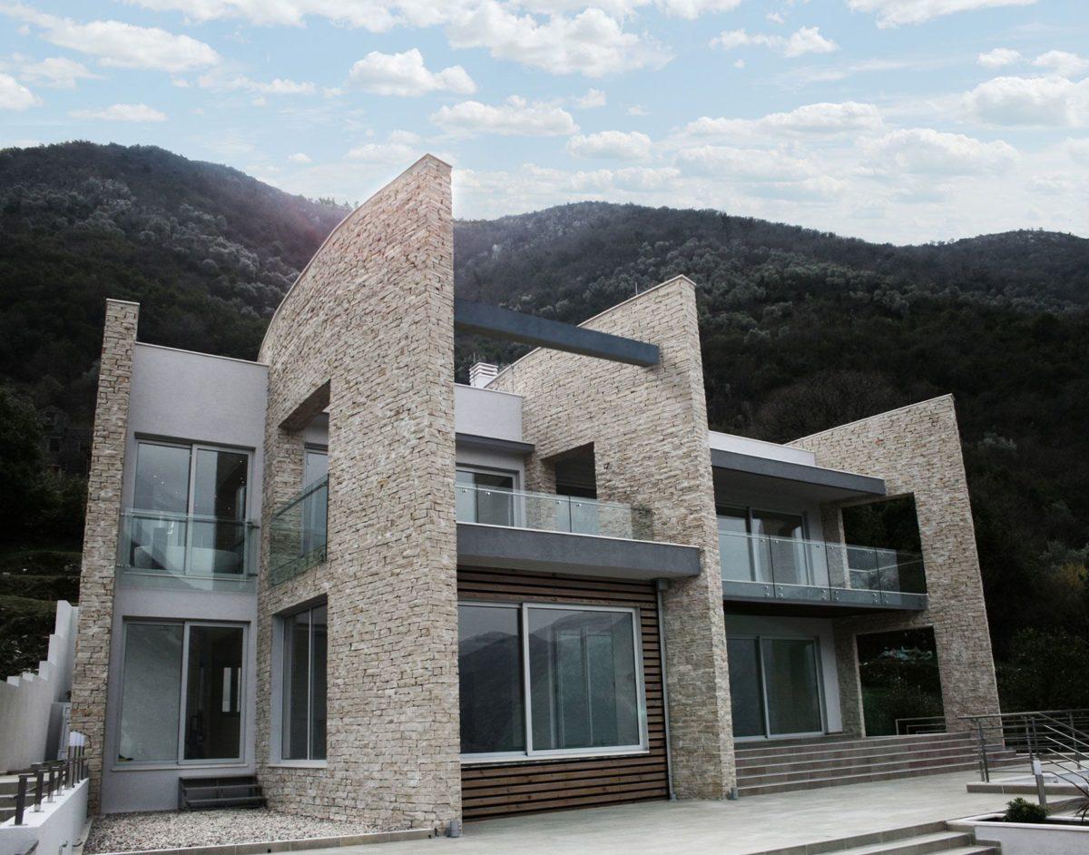 Facciata casa moderna for Design casa moderna