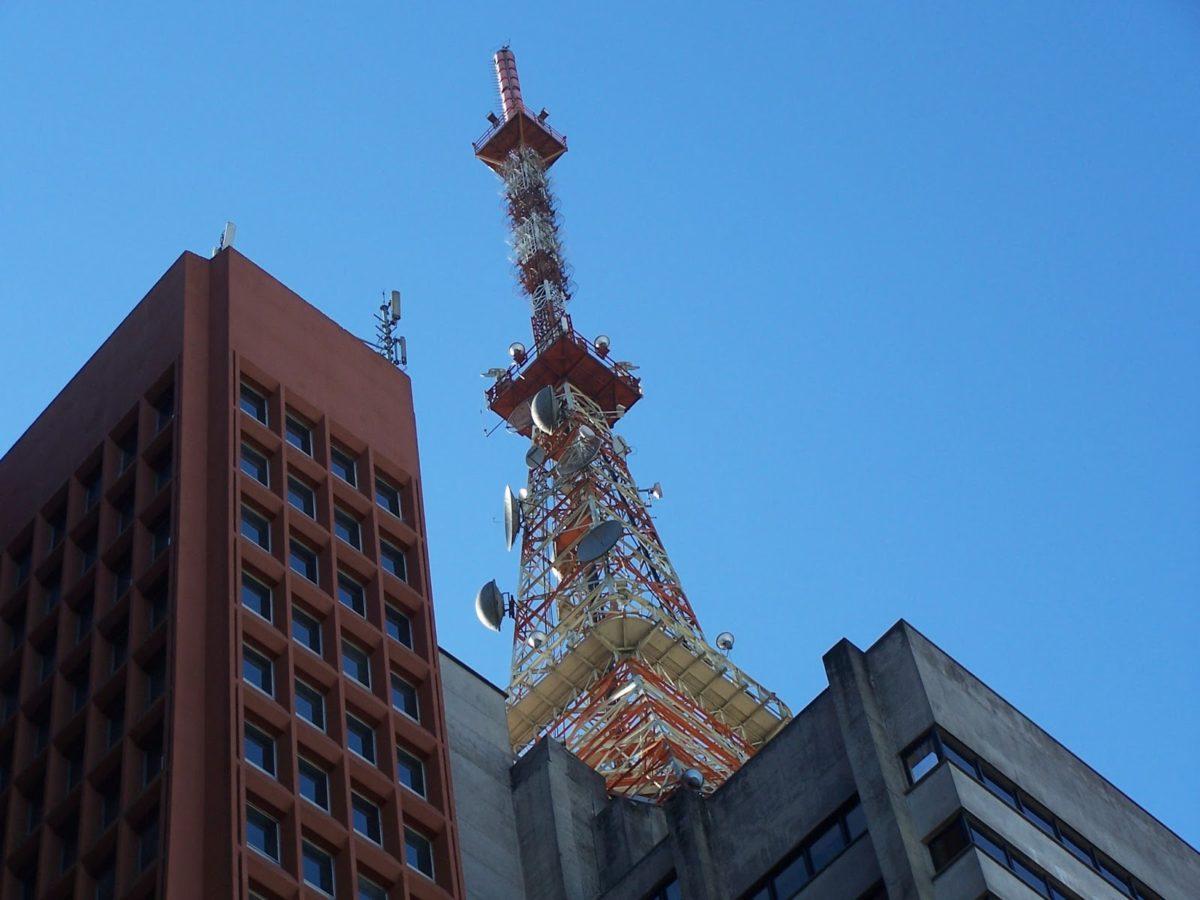antenna-tetto-palazzo