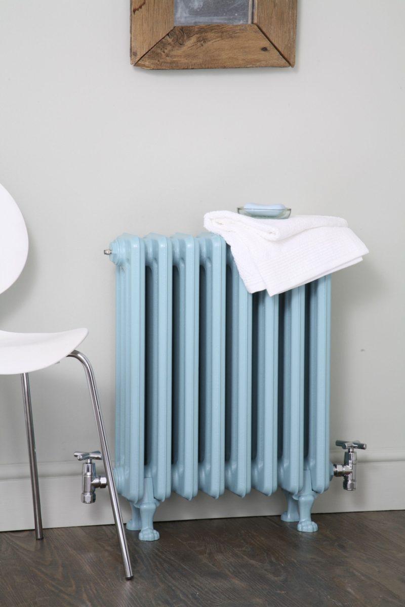 riverniciare-termosifoni-azzurro