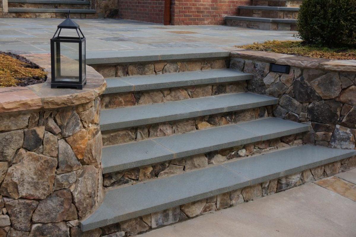 scala-esterna-pietra-grigia