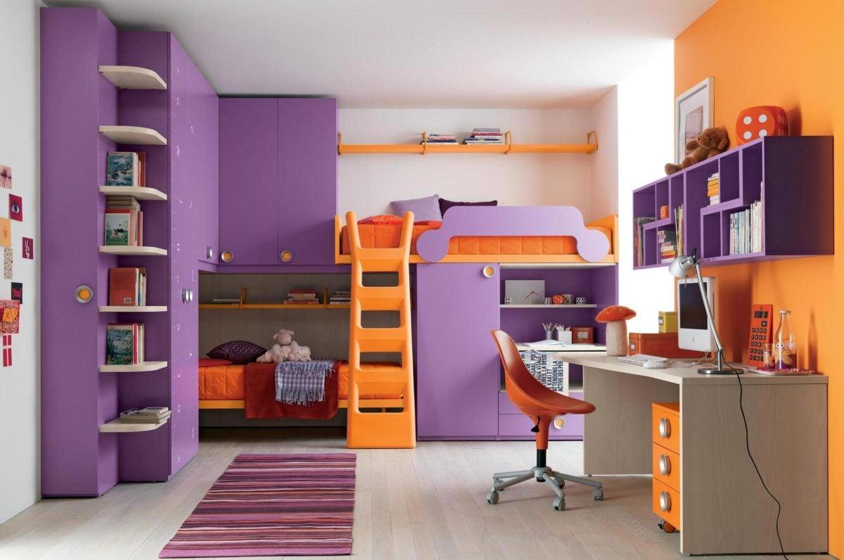 scrivania-colorata-cameretta