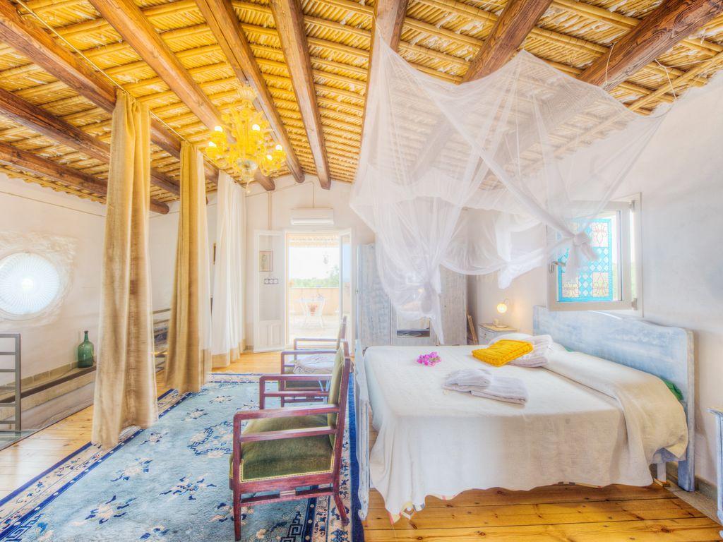 stile-siciliano-camera-letto-colori