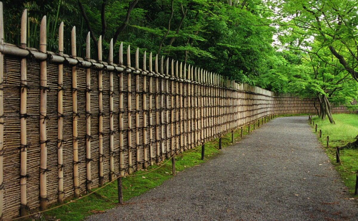 recinzione-giardino-legno-bambu