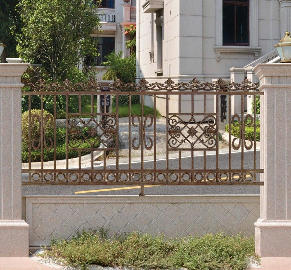 recinzione-giardino-metallo-base-cemento