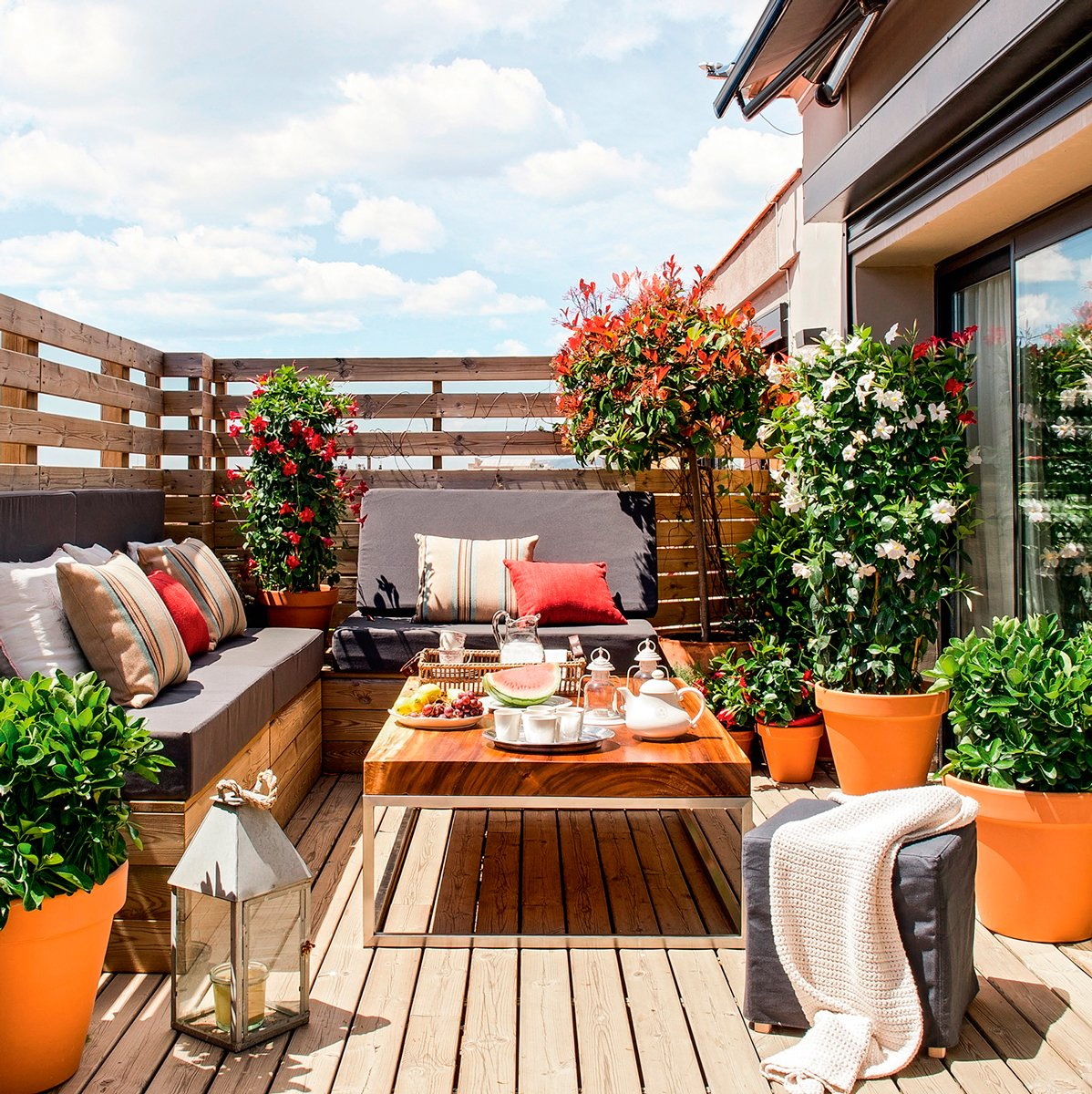 Arredare piccolo terrazzo for Arredo terrazzi