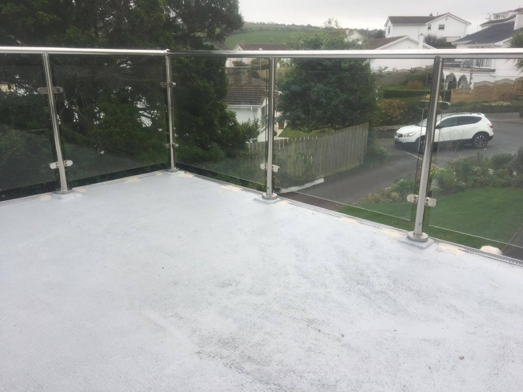 balcone-pavimento-resina-2