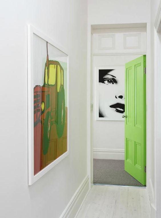 abbellire-corridoio-colori porte