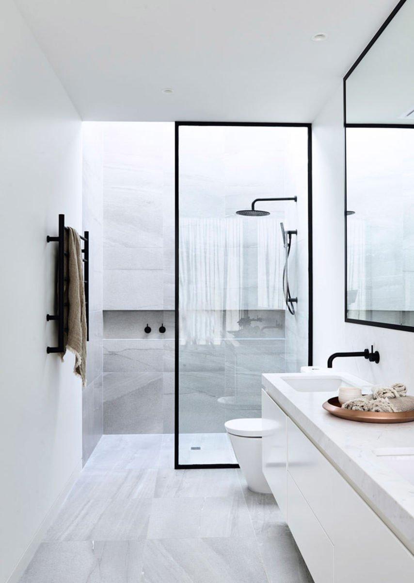 Come arredare un bagno piccolo quadrato for Arredare un bagno piccolo