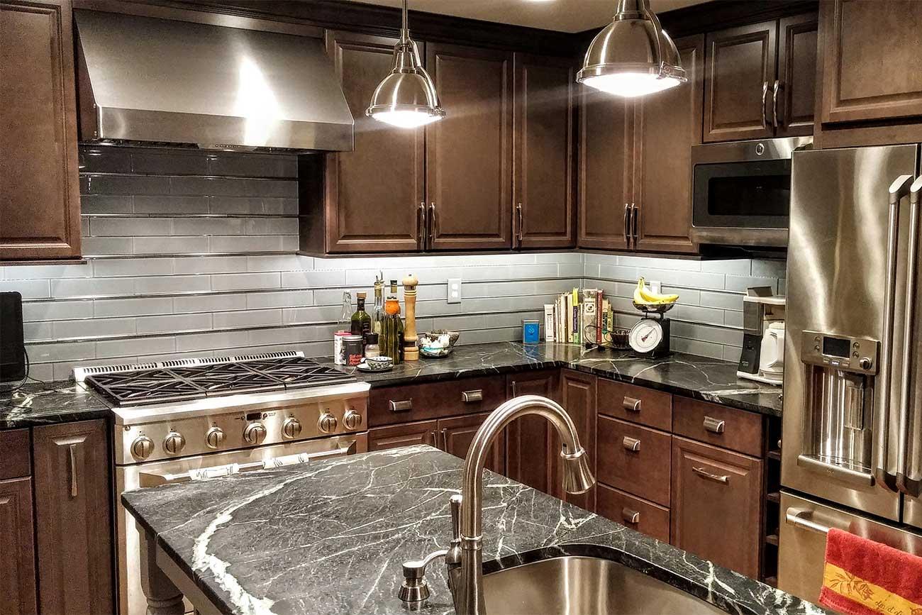 cucina-professionale-casa-illuminazione
