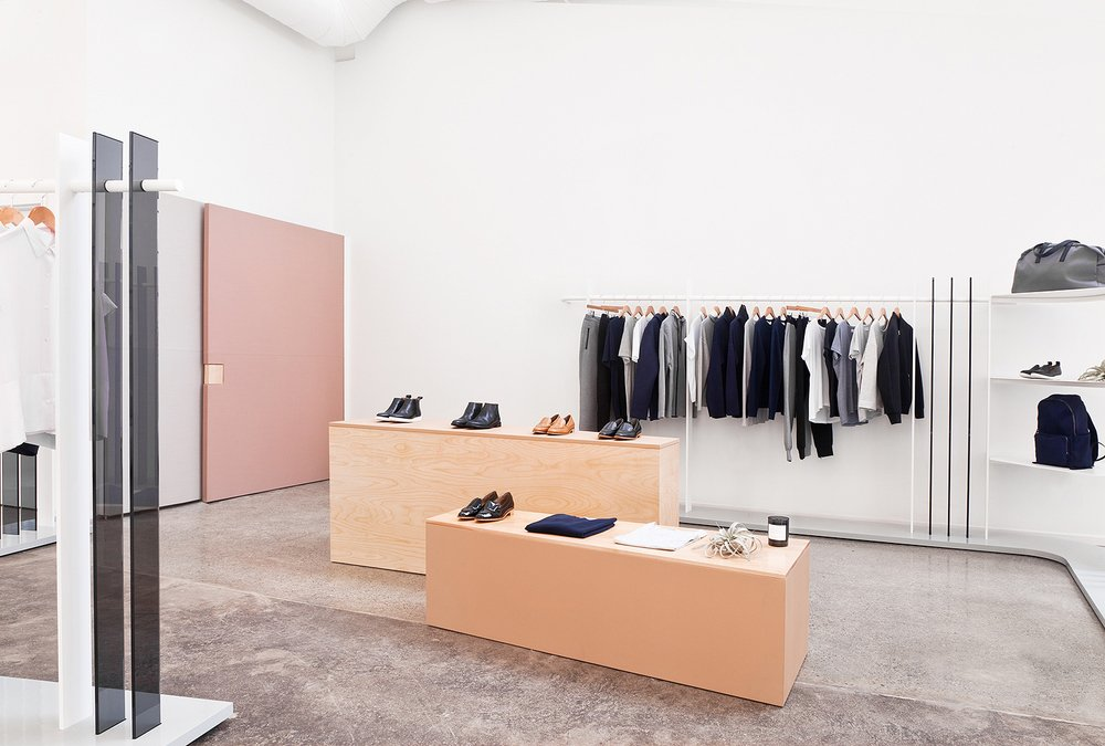 negozio-abbigliamento-moderno