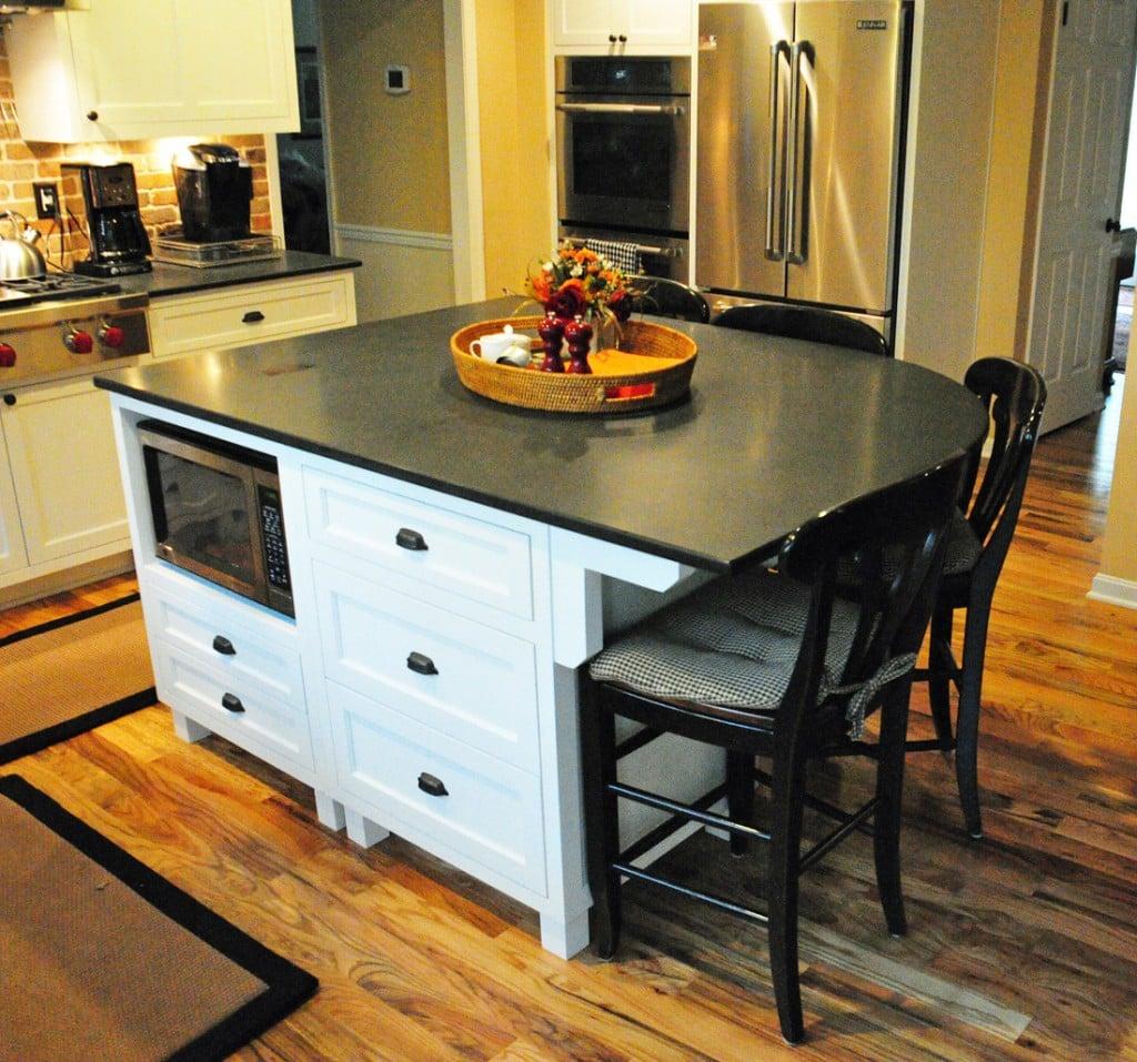 stile-coastal-cucina-tavolino