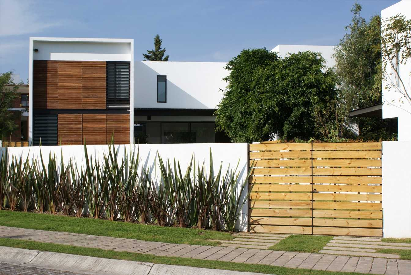 recinzione-legno-cemento
