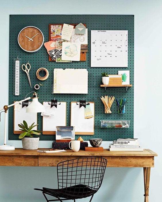 abbellire-scrivania-attrezzi
