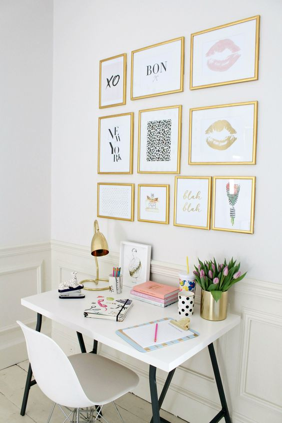 abbellire-scrivania-composizione-quadri