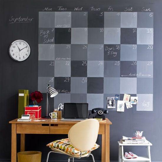 abbellire-scrivania-parete-calendario