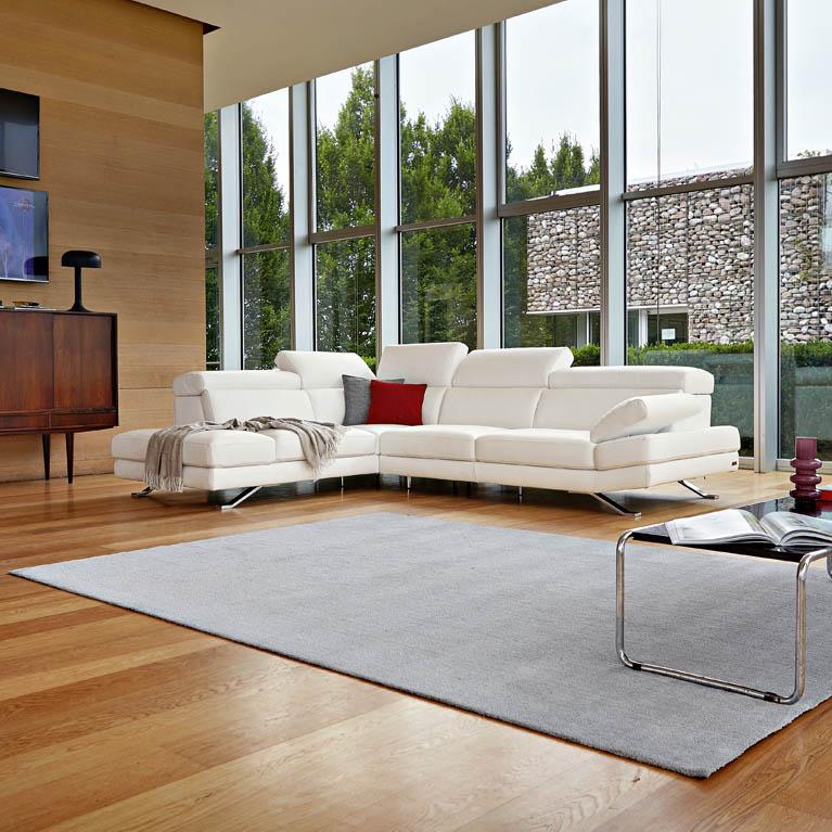 divani con chaise longue poltrone e sofa