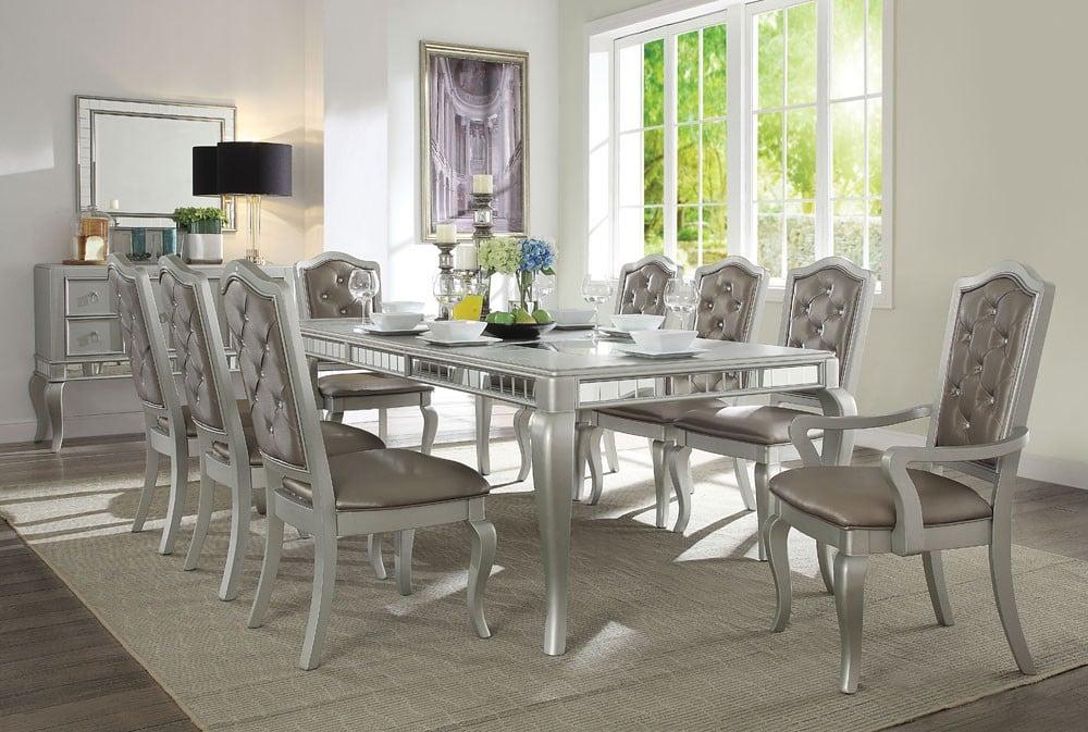 Sala da pranzo classica come arredare con stile for Arredare sala da pranzo classica