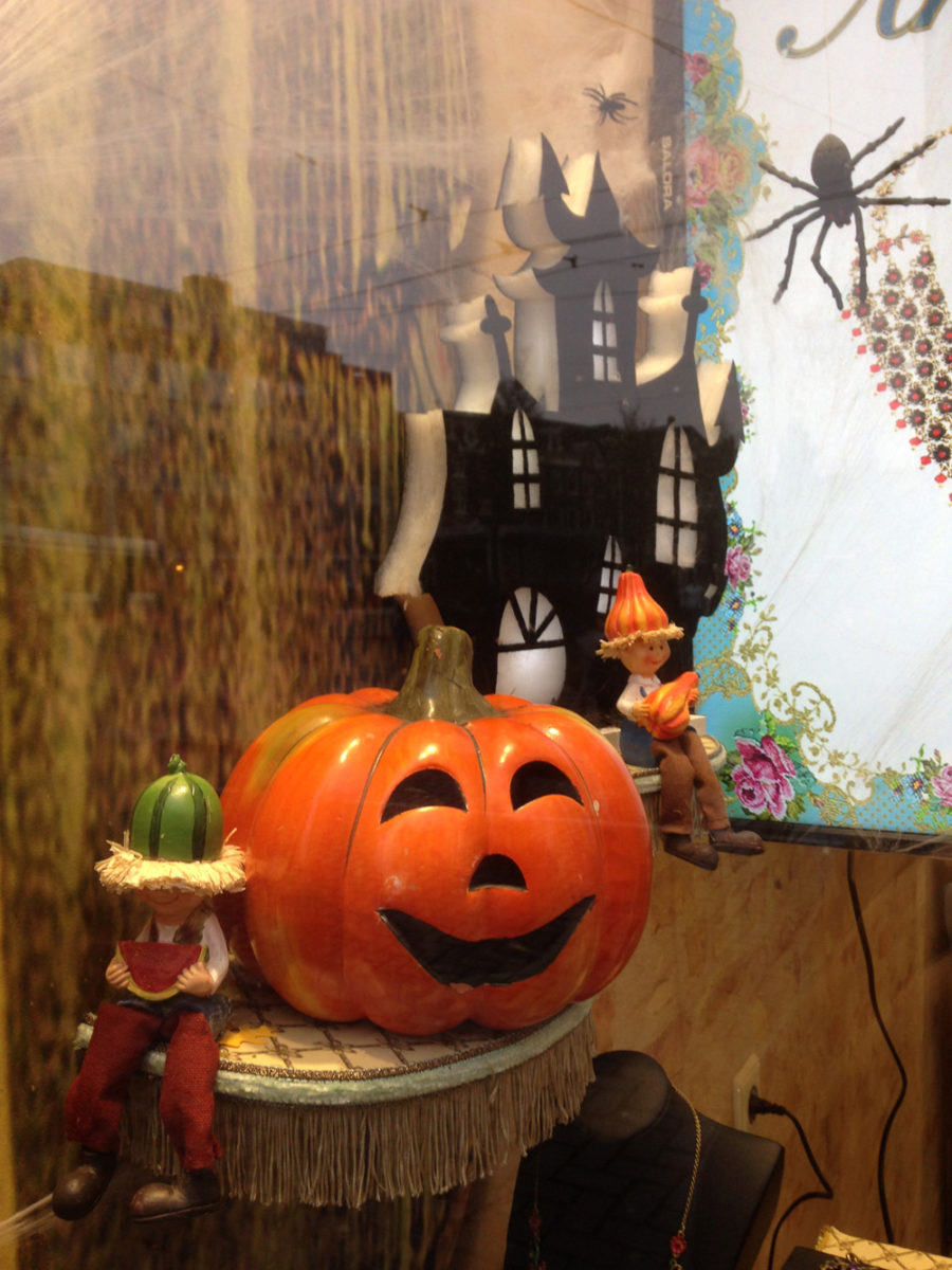 vetrina-negozio-halloween-5