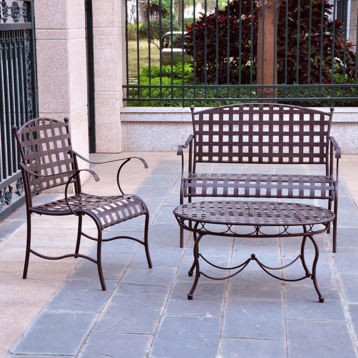 mobili-metallo-ruggine-giardino