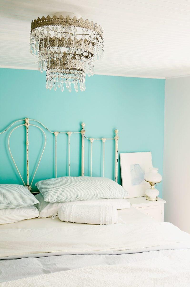colore-acquamarina-camera-da-letto