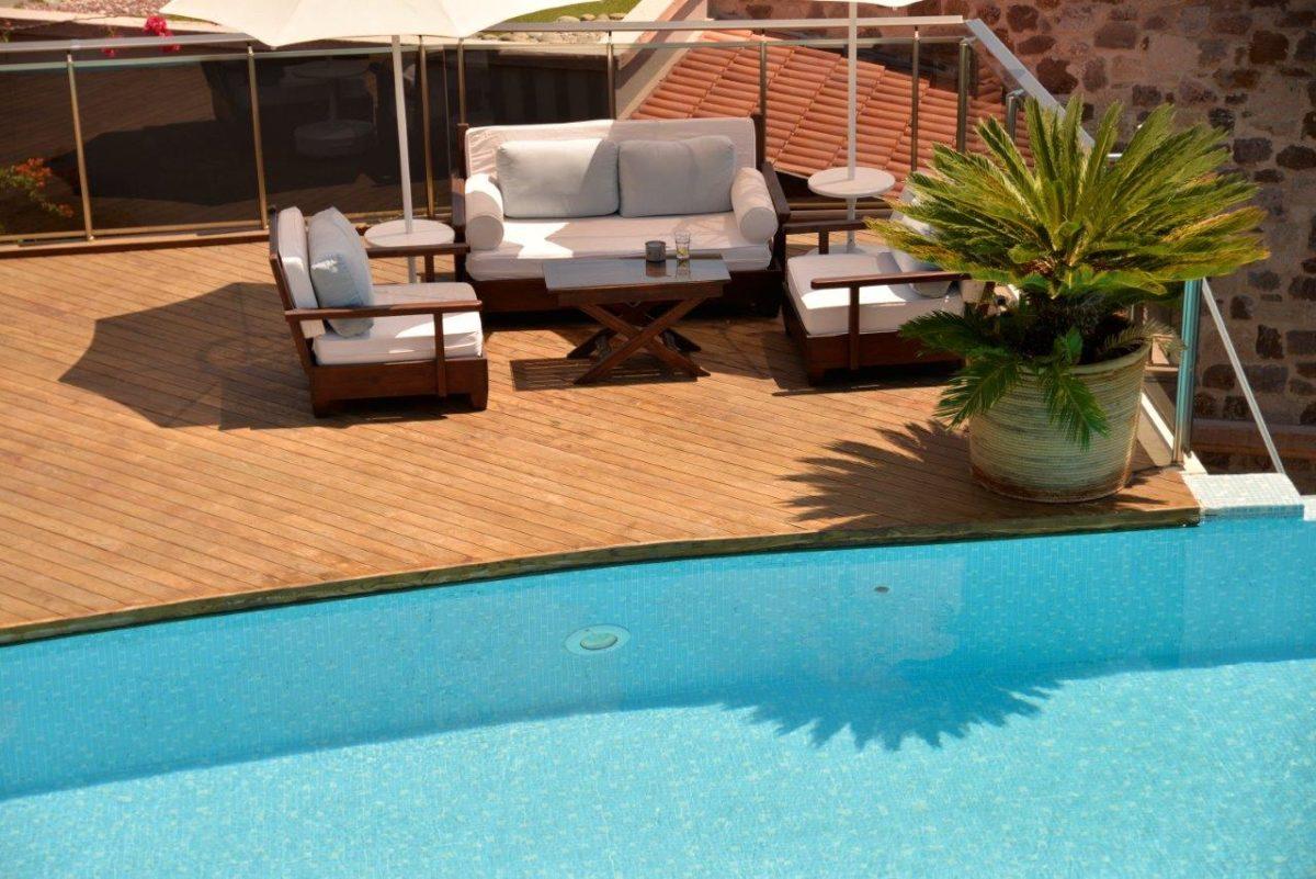 pavimenti-frassino-piscina
