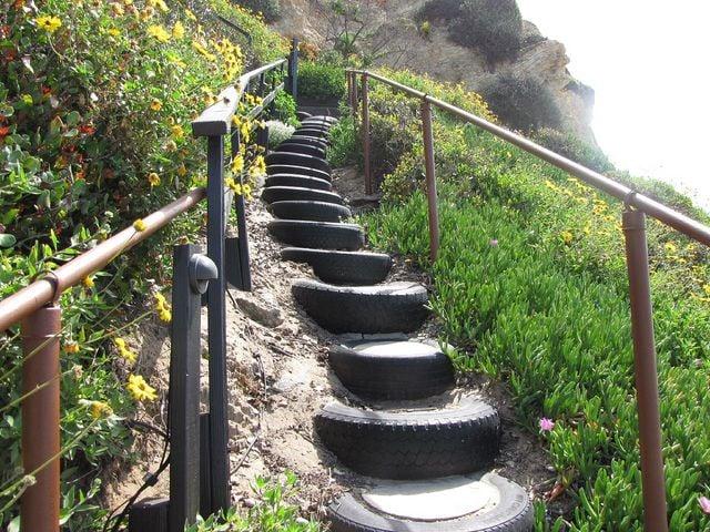 riciclare-pneumatici-scalinata